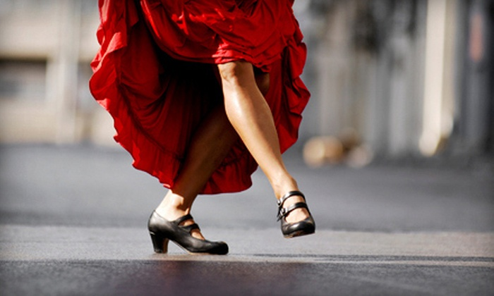 Social Dance Spot - Corso Italia: $19 for 2 Salsa Classes and 3 Bachata or Ballroom Dance Classes ($75 Value)