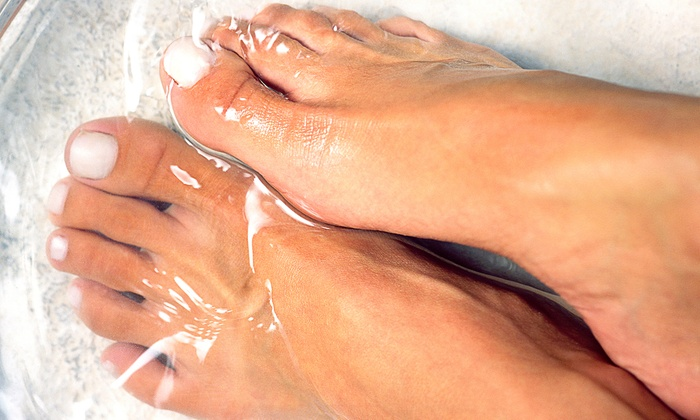 Health First Chiropractic and Rehab - Western Branch North: One, Three, or Five Ionic Detox Footbaths at Health First Chiropractic and Rehab (Up to 55% Off)
