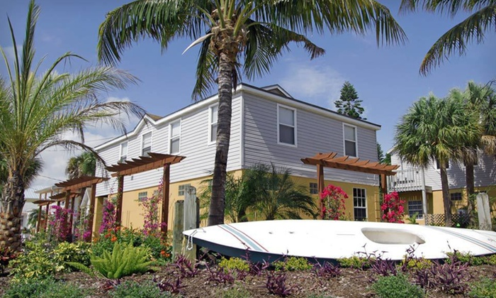 Beach'n Place - Fort Myers Beach: One- or Two-Night Stay with Beach Package at Beach'n Place in Fort Myers Beach, FL