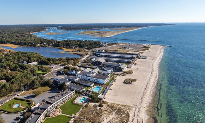 Riviera Beach Resort - South Yarmouth, MA: Stay with Optional Spa Package at Riviera Beach Resort in South Yarmouth, MA