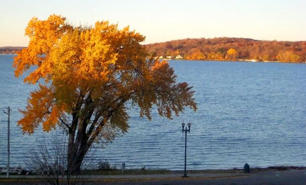 Harbor Shores on Lake Geneva - Lake Geneva, WI: Stay at Harbor Shores on Lake Geneva in Lake Geneva, WI, with Dates into December