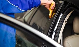 Monster Garage: Lavado de coche a mano interior y exterior con opción a ozono desde 14,95 € en Monster Garage