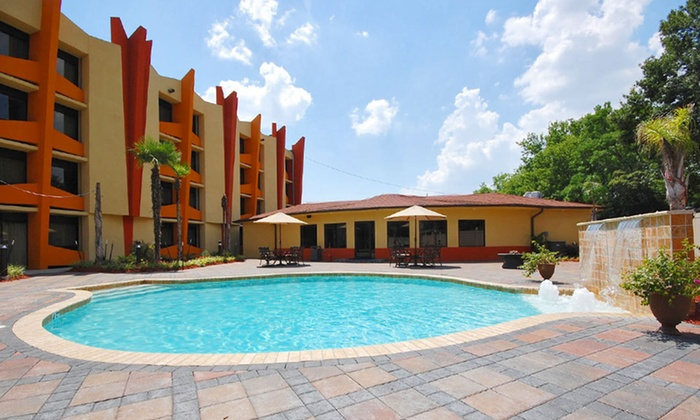 Radisson Hotel Baton Rouge - Baton Rouge, LA: Stay at Radisson Hotel Baton Rouge in Louisiana. Dates Available into October.