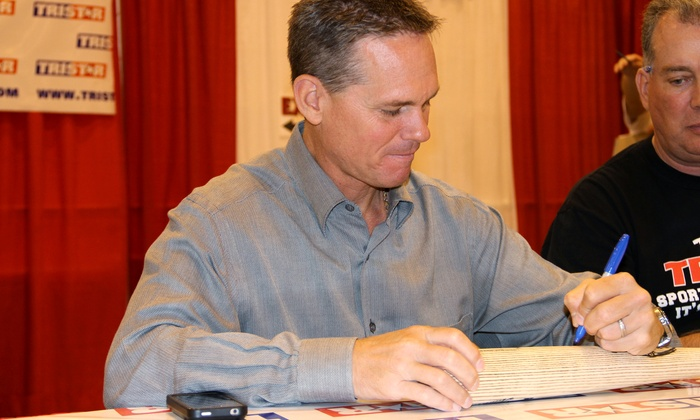 TRISTAR Collectors Show - NRG Stadium: TRISTAR Houston Collectors Show Featuring Hall of Famer Craig Biggio on February 13-15 (Up to 50% Off)