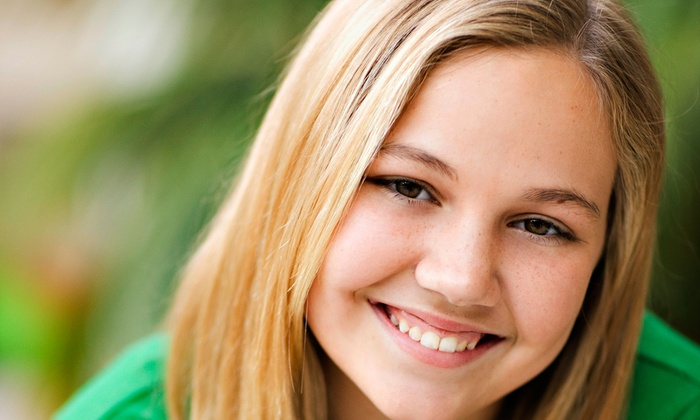 Highland Oaks Family Dentistry - Keller: $40 for Dental Exam, Cleaning, and X-Rays at Highland Oaks Family Dentistry ($200 Value)