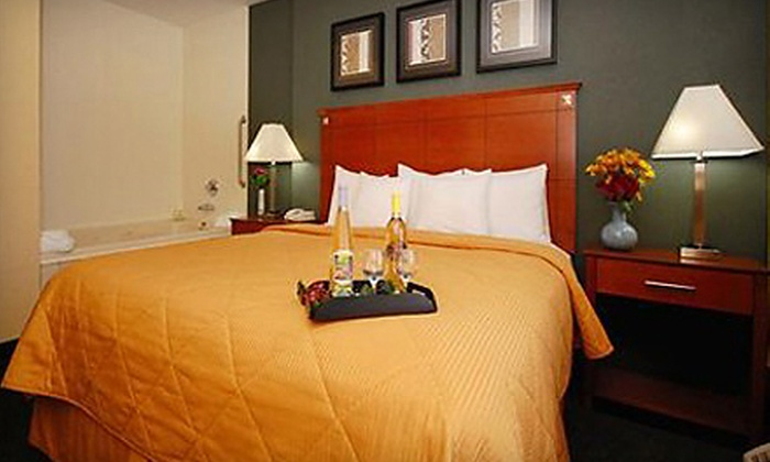 Comfort Inn & Suites Brandywine Valley - Birmingham: $99 for a One-Night Stay with a Bottle of Wine at Comfort Inn & Suites Brandywine Valley (Up to $197 Value)