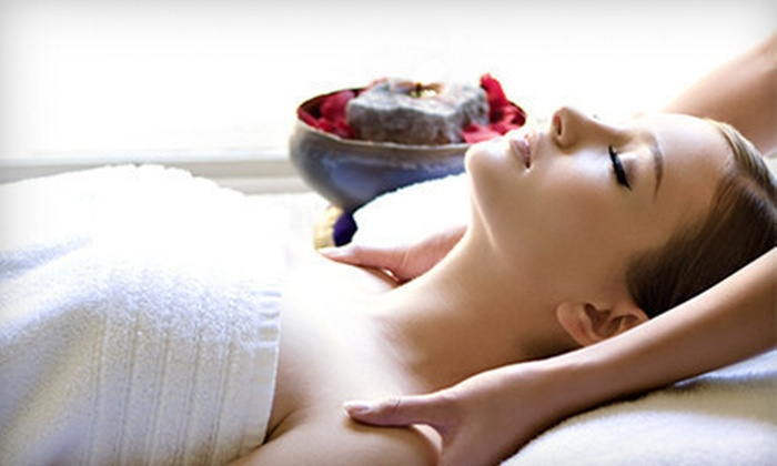 Faces Plus Skin Spa - Faces Plus Skin Spa: Ultrasonic Vitamin C Infusion Facial or HydraFacial and Silk Hydrating Mask at Faces Plus Skin Spa (Up to 56% Off)
