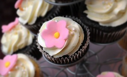 One Dozen Gourmet Cupcakes - Daisy Cake Boutique in Brookfield