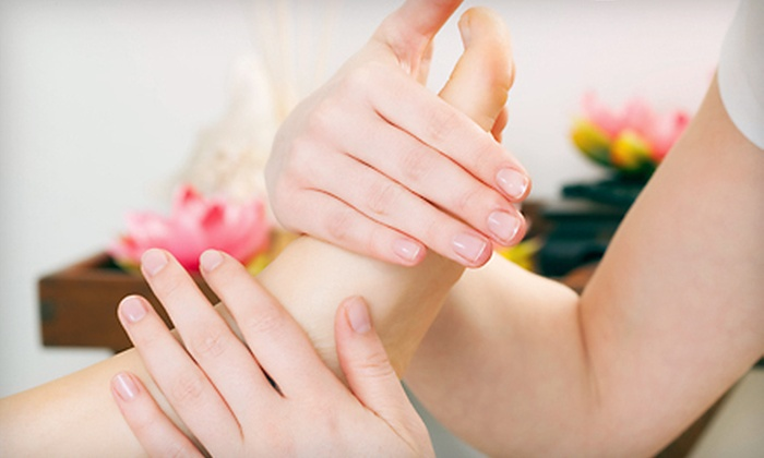 GreenLife Health Centre - Stonegate - Queensway: One or Three Reflexology Treatments at GreenLife Health Centre in Etobicoke (Up to 74% Off)