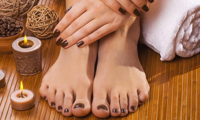 Semipermanente su mani e piedi queen nail spa groupon for Planimetrie di 1500 piedi quadrati