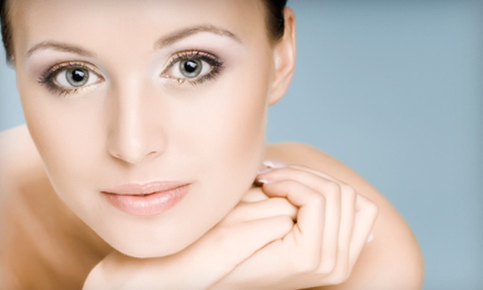 Ever Radiant - Ottawa: Two or Four Microdermabrasion Treatments or Chemical Peels at Ever Radiant (Up to 72% Off)