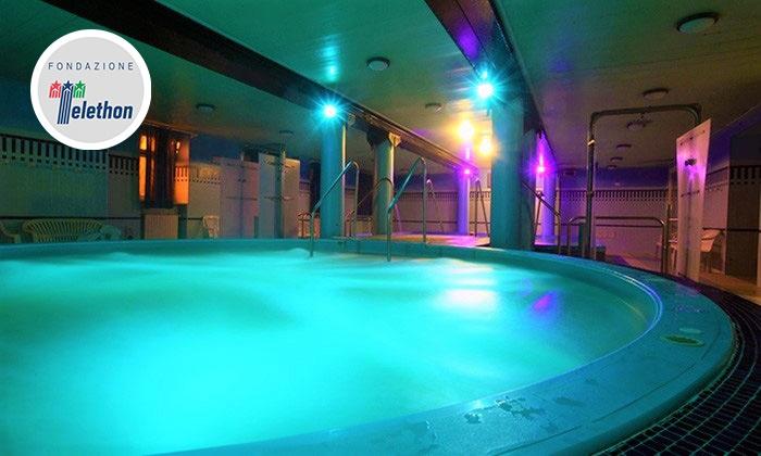Spa di coppia con trattamento o massaggio relax in simultanea alle Terme Baistrocchi a Salsomaggiore (sconto fino a 64%)