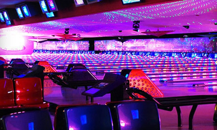 Pinz - Studio City: $25 for Bowling for Four with Shoe Rentals at Pinz Entertainment Center (Up to $88 Value)