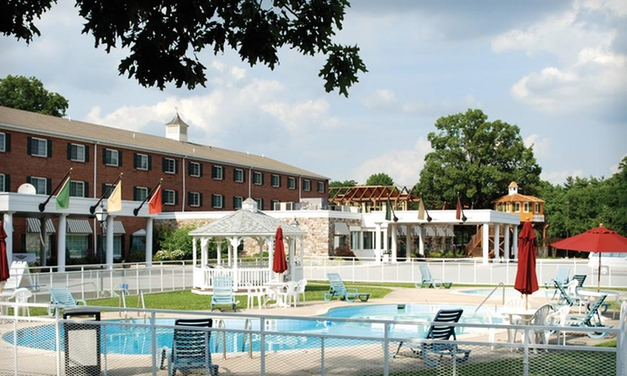 Heritage Hotel - East Hempfield: One- or Two-Night Stay with Dining Credit and Breakfast at Heritage Hotel in Lancaster County, PA