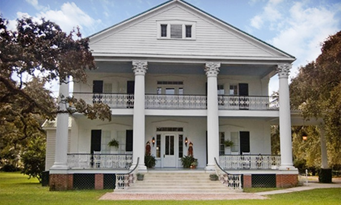 The Fairfax House - Franklin, LA: Two- or Three-Night Stay for Two in a Standard Room or Suite at The Fairfax House (Up to 51% Off)