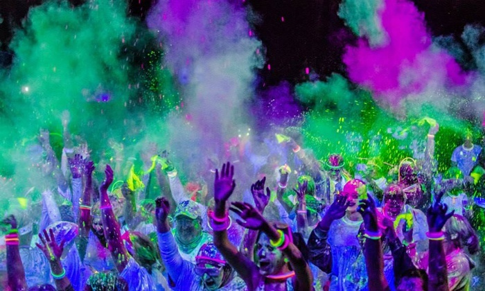 The Neon Vibe - Iroquois Park: 5K Entry for One or Four to The Neon Vibe on Friday June 20 (Up to 40% Off)