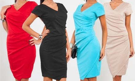 ebb2c9444ac0 Vestito da donna con scollo a V disponibile in 2 taglie e vari colori