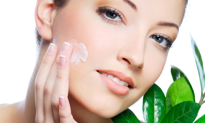 The Skin Division - Near North Side: $109 for a Laser Genesis Treatment with Collagen Infusion Moisturizer at The Skin Division ($259 Value)