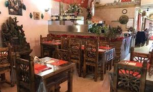 Sharazad: Menu tipico persiano con dolce e vino per 2 persone al ristorante Sharazad in zona Piazza Castello