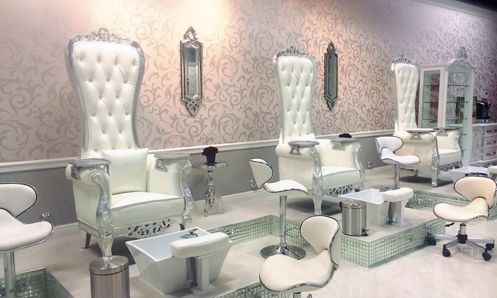 Vernis Nail Bar - Woodland Hills: $15 for $30 Worth of No-Chip Nailcare — Vernis Nail Bar