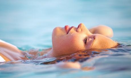 Terapia de flotación con hidratación corporal flash por 24,90 €, con masaje por 29,90 €, o con peeling por 39,90 €