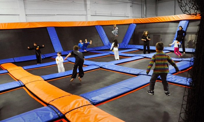 SkyMania Trampolines - Totem Lake: Trampoline Sessions at SkyMania! Trampolines in Kirkland (Up to 38% Off).