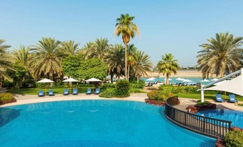 Abu Dhabi: Up to 3-Nights with Yas Island Park Tickets