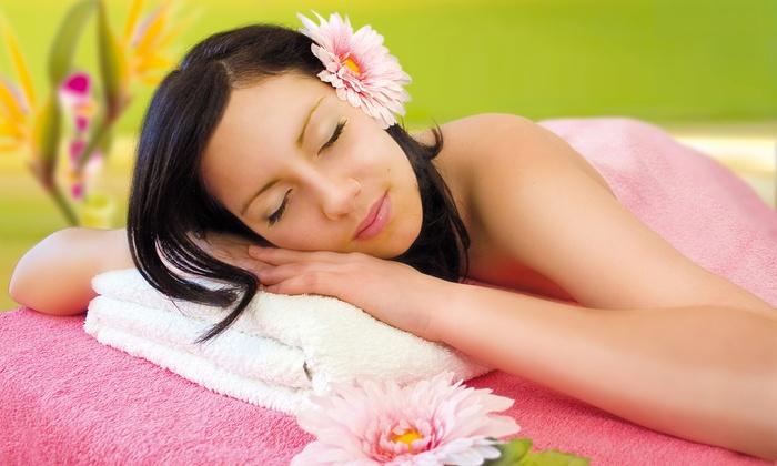 Estetica Vanity - Enemonzo: Pulizia viso, ceretta, manicure e massaggio fino a 45 minuti (sconto fino a 85%)