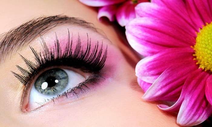 Exquisite Nail Boutique - The Loop: $75 for a Full Set of Eyelash Extensions at Exquisite Nail Boutique ($150 Value)