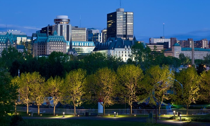 Embassy Hotel & Suites Ottawa - Ottawa, ON: Stay with Dining Credit or Free Parking at Embassy Hotel & Suites Ottawa. Dates into October.