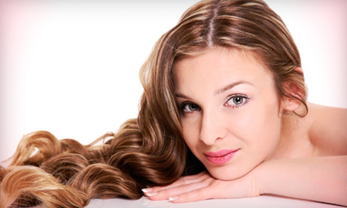 Youthful Trends - Albany / Capital Region: $25 for Five Anti-Aging or Acne-Fighting Phototherapy Facials at Youthful Trends in Clifton Park ($50 Value)
