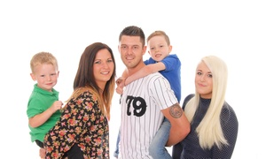 Simply natural photography: Family Portrait With Six Prints for £10 at Simply Natural Photography