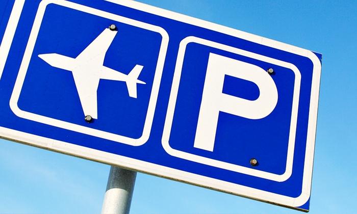 Parking Pasta - Torino: Fino a 14 giorni di parcheggio all'aeroporto di Caselle con lavaggio auto (sconto fino a 85%)