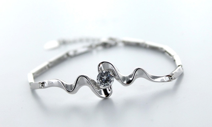 Groupon Goods Global GmbH Bracelet Vague orné de cristaux SWAROVSKI  ELEMENTS Gleeven à 8,