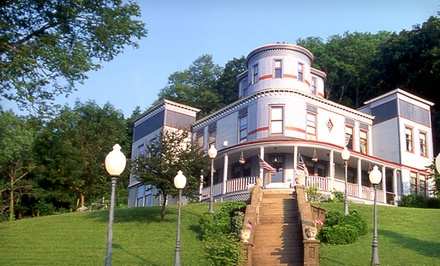 1- or 2-Night Stay for Two at Mont Rest Inn near Galena, IL, Valid Sun.–Fri.