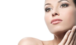 Lipo Light South Bay: $35 for a Noninvasive Microcurrent Facelift at Lipo Light South Bay ($175 Value)