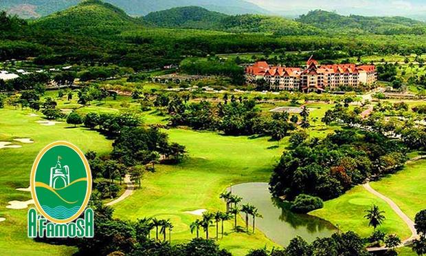 Melaka: Stay at Theme Park Resort 0