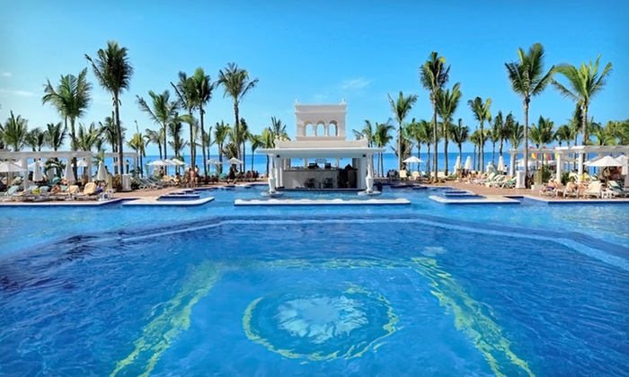 Hotel Riu Palace Pacifico All-Inclusive Trip with Airfare: Five-Night All-Inclusive Puerto Vallarta Vacation with Airfare and Accommodations from JetSet Vacations