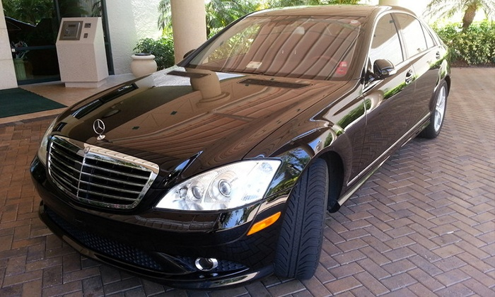 Executive Diamond Limos - Naples: One-Way Chauffeur Service for Up to Four or Seven People from Executive Diamond Limos (Up to 55% Off)