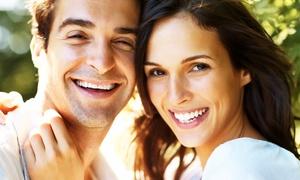 Clínica Médico Dental: 1 o 2 sesiones de blanqueamiento dental LED y limpieza bucal desde 59 € junto a El Retiro