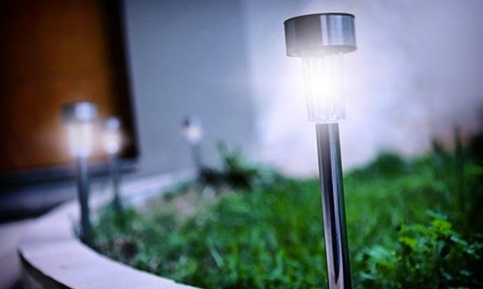 E-JACARÉ: Kit com 4, 8, 12 ou 24 luminárias solares balizadoras em LED, a partir de R$ 49,90 + frete grátis