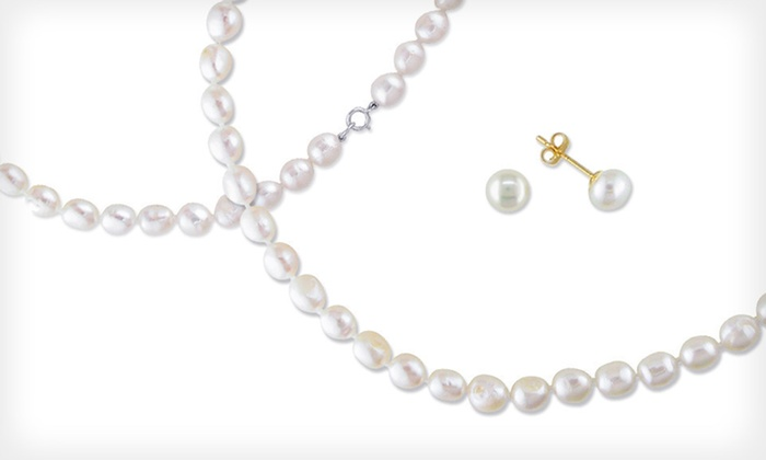 Freshwater-Pearl Necklace and Earrings: $6 for a Freshwater-Pearl Necklace and Earrings Set ($90 List Price)