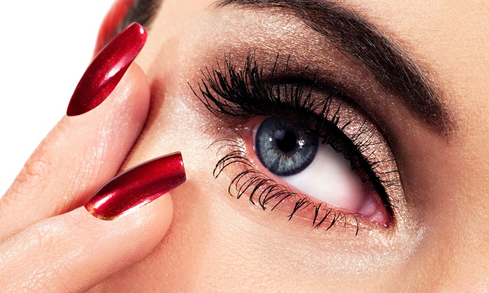 Lueur Dore`e - Downtown: Flirty Eyelash Set or Full Lash Set with Fill-In at Lueur Dore`e (Up to 53% Off)