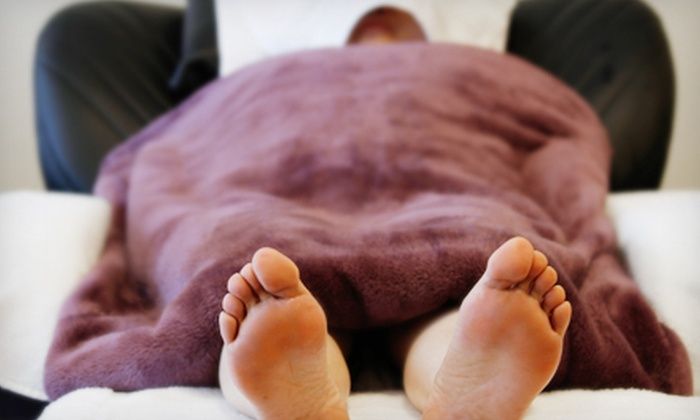 Fit Foot Massage - Chicago: $20 for a 40-Minute Reflexology Package with Foot Soak and Head Massage at Fit Foot Massage ($55 Value)