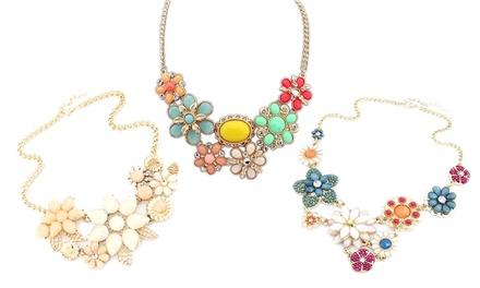 Collar con decoración de flores y cristales de Swarovski® desde 8,99 € (hasta 90% de descuento)