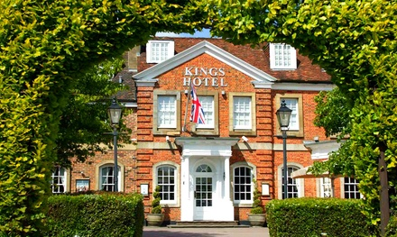 Oxfordshire: Standard or Executive Double Room for Two with Breakfast, Dinner and Shop Discounts at The Kings Hotel