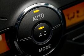 Taller Diesel Casas (Bosh Car Services): Recarga de aire acondicionado con revisión pre-itv de coche por 29,95 €
