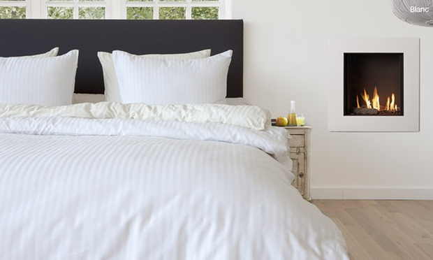 parure de lit en satin 3 pi ces groupon shopping. Black Bedroom Furniture Sets. Home Design Ideas