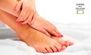Corpo e Equilíbrio Salão e Estética: 1, 2 ou 4 sessões de manicure ou pedicure no Corpo e Equilíbrio Salão e Estética – Vila Velha