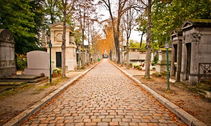 Groupon Exclusive: Historical-Landmark Tour with Singer-Songwriter Storytellers - Rittenhouse Square: Groupon Exclusive: Learn About Philly's Culturally Rich History in Two Scenic Spots with Singer-Songwriter Storytellers